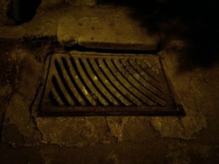 No People Outdoors Footpath Monochrome Photography Sidewalk Street Street Night Shadow Pavement Pavedstreets City City Life