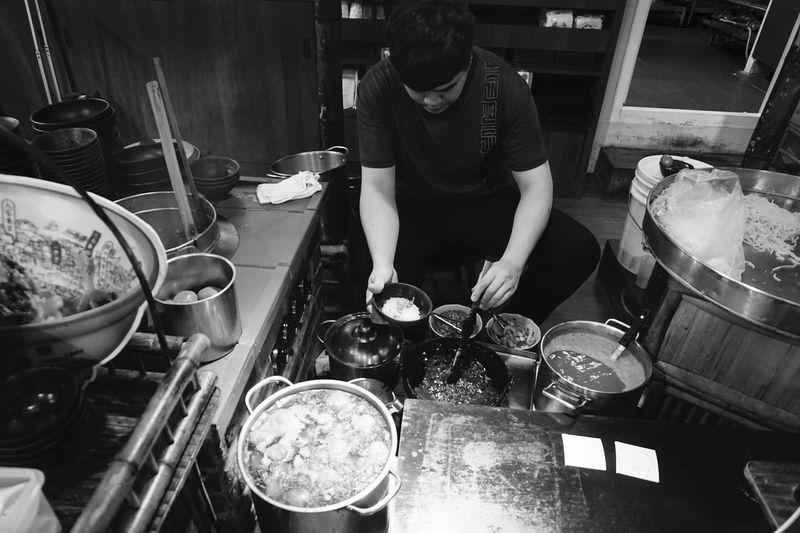 台南 担仔麺 度小月 Black And White Monochrome Foodporn Food Real People One Person Men Indoors  High Angle View Lifestyles Working Food And Drink Occupation