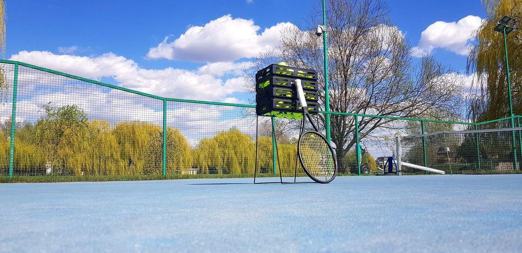 tennis court Tennis 🎾 Tennis Balls Tennis Court Coach Tennis Tennis Practice :D Tennis Racket Tennislover❤ Sky