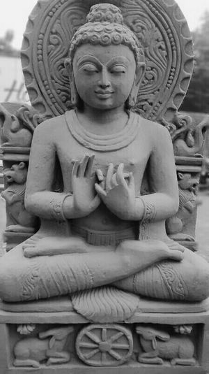 Relaxing EyeEm Best Shots - Black + White Light And Shadow Taking Photos Eyeem Monochrome Getting Inspired Mobile Photography Black And White Streetphotography Lord Buddha