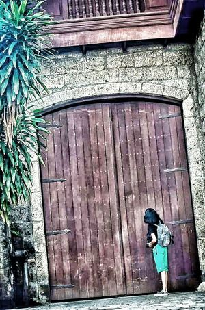 The Explorer Bigdoor Architecture Streeetphotography Old House Old Town Historical Place Places I've Been Streetside Telling Stories Differently The Architect - 2016 EyeEm Awards The Street Photographer - 2016 EyeEm Awards Home Is Where The Art Is