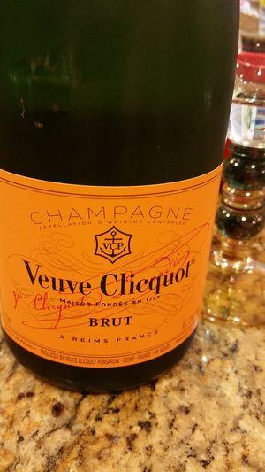 Champagnelife Champagne Lover Veuveclicquot Veuve Clicquot Champagne
