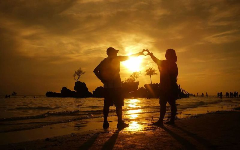 Showcase July Sunset Silhouette Dramatic Sky Summerinjuly Boracay Philippines Boracay2016 43 Golden Moments People Together Connected By Travel Colour Your Horizn EyeEmNewHere #FREIHEITBERLIN