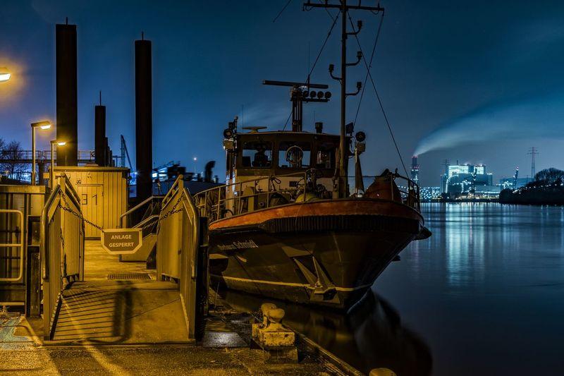 OberbauratSchmidt Coal Power Plant Elbe River Engineering Fire Department Hamburg Harburg Night Lights River Ship Süderelbe Working