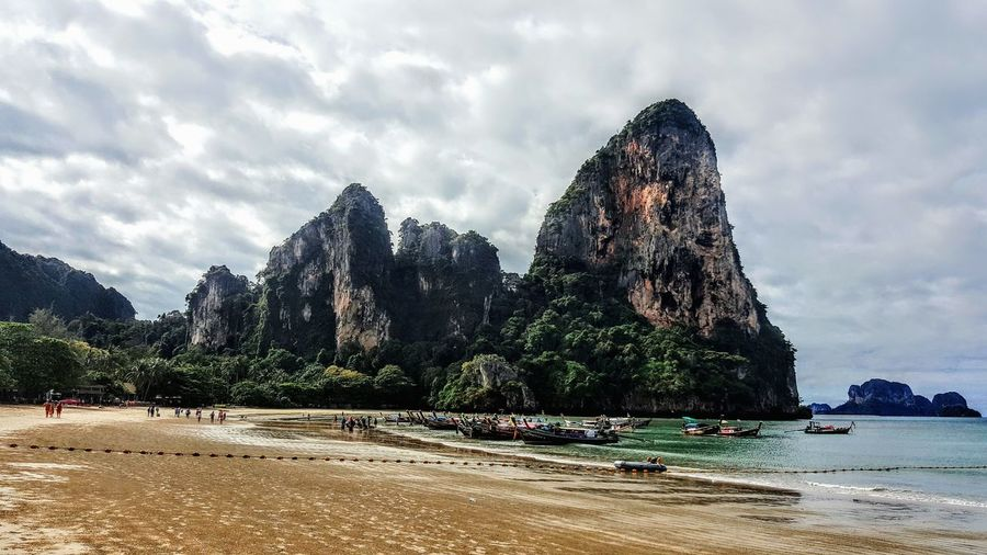 The view at Railay Beach West Thailand Railay Railaybeach Railaybeachwest Vacations Beach Outdoors Travel Sky Travelling Travel Photography Travel Destinations EyeEm Best Shots Eye4photography  Spotted In Thailand Life Of A Traveller Spotted Samsung Galaxy S6 Edge+ Samsungphotography Beauty In Nature Tranquility Idyllic Todayshotlook Todays Hot Look Day Neighborhood Map