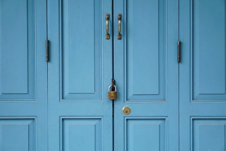 Blue door 🚪 Blue Blue Background Door Closed Lock Safety Wood - Material Security Protection Padlock Doorknob Entrance Outdoors Full Frame Key Backgrounds Close-up Day Doorway No People Old-fashioned Latch