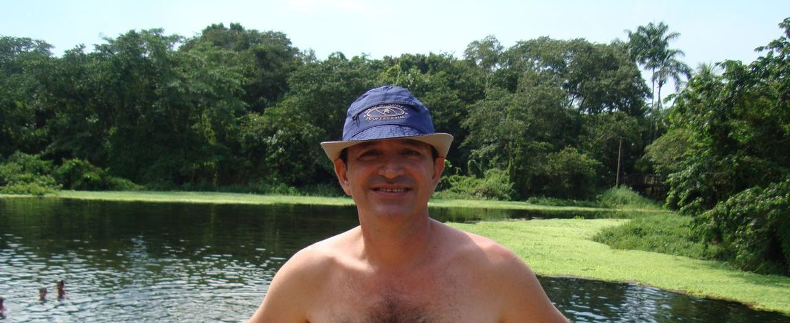 Shirtless only! Town of Lagoa Santa. Paradise! The waters are warm and preserved fauna and flora. State of Goiás. Brazil. ;) Goiás State Goias ExploringBrazil Nature The Greatest Artist Relaxing Trees Water_collection Water Nature_collection Today's Hot Look