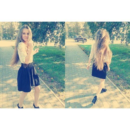 Made with @nocrop_rc Rcnocrop Я иногда бываю хорошей девочкой, а иногда у меня одна неформальность •_• На дне рождении у любимой@dasha_nazarova_11 было Просто отлично Кристинка веселая танцует в любимой Чагоде смешная белая блузка черная юбка