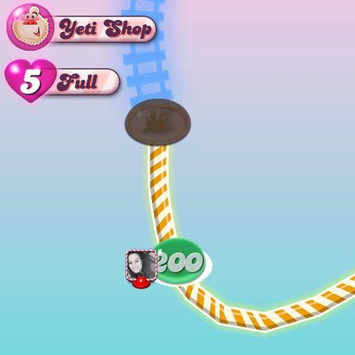 CACHING Level200 Candycrush Addiction 5lives fullcandyjellypicturefacebookconnectyetishopepisode15redbluegreenyellowstripesyellowtrackbluetrackfavouritegame