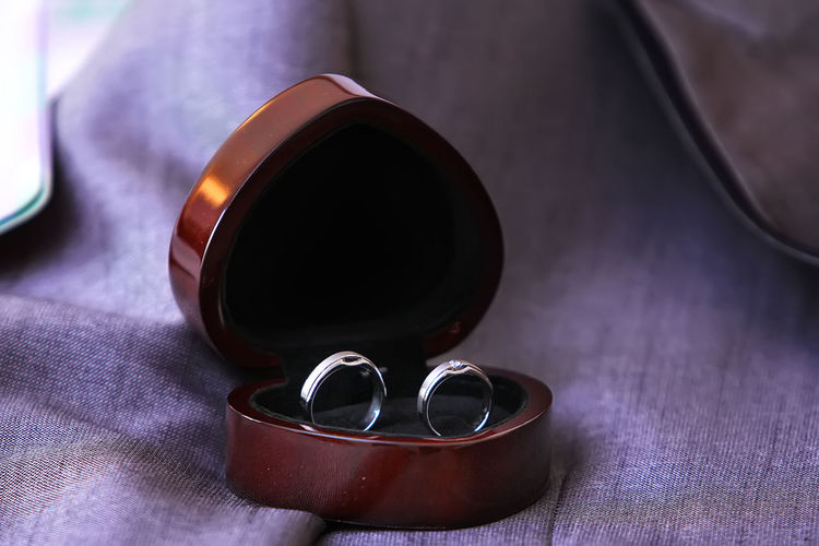 Wedding Rings Table Still Life Ring Rings Rings 💍 Wedding Wedding Ring Wedding Rings Wedding Ceremony Wedding Day Wedding Day❤ Couples❤❤❤ Couple - Relationship