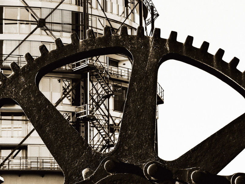 Architectural Feature Architecture Building Building Exterior Built Structure Connection Historic Industrial Metal Metallic Old-fashioned Rusty Screw Sephia Photo Stade Structure Tower Work Zahnrad
