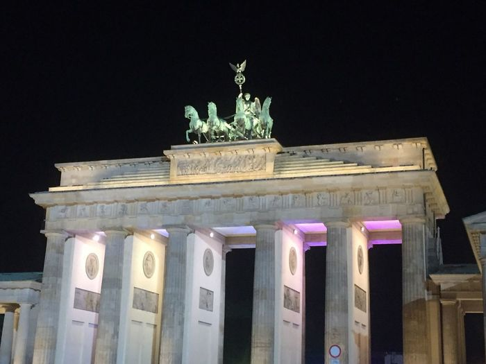 Berlin Brandenburger Tor Shopping Weekend 👍🏽 Lovely City Taking Photos Germany Nofilters