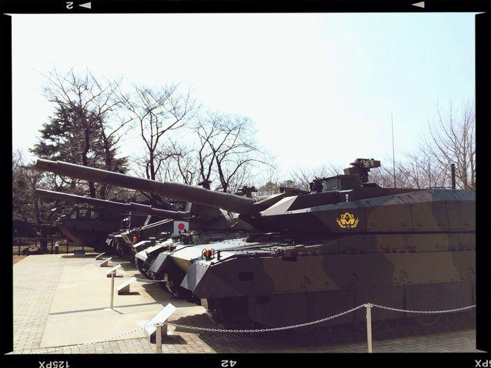 屋外展示されている車両 Tank JGSDF 朝霞