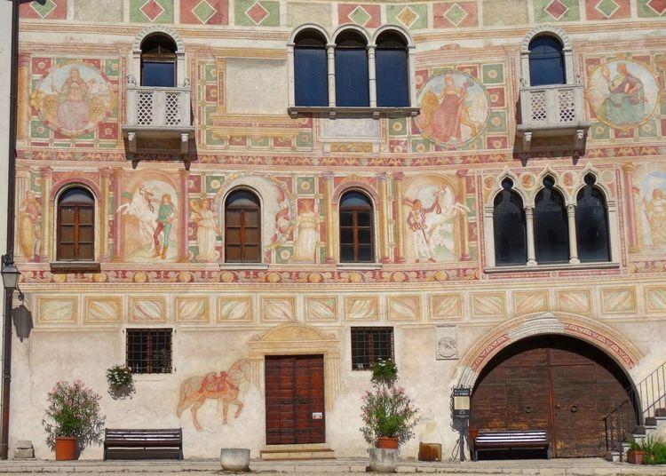 Façade Travel Destinations Building Exterior Fresco Decorations Fresco Affreschi Castle Painted Wall Decorated Facades Spilimbergo Friuli Venezia Giulia Medieval Castle Old Buildings