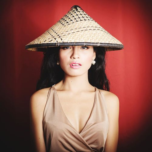 asian girl Filipina Philippines Sexygirl Red Color Long Hair Black Hair Philippinen Filipina Model Asian Hat EyeEm Selects Beautiful Woman Portrait Young Women Beauty Beautiful People Women Fashion Model Fashion Elégance Red Red Lipstick Sun Hat Straw Hat Lipstick Model - Object Glamour Eyeshadow