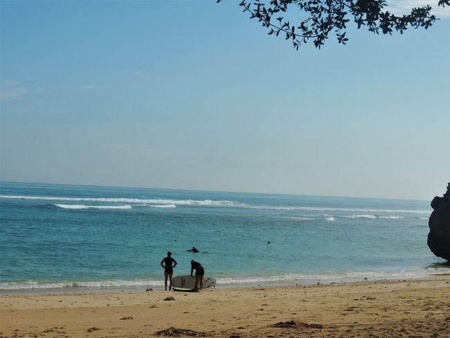Padang Padang beach is a paradise in Bali, and a favorite of those who are learning to surf. June 2016. Bali Bali, Indonesia Calm INDONESIA Nature Tranquility Travel Beach Beauty In Nature Day Gabiandbali Gabiandindonesia Horizon Over Water Island Landscape Ocean Outdoors Paradise Power In Nature Rocks Rocks And Water Sea And Sky Southeastasia Surfing Vacation