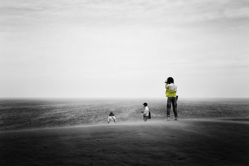 Monochrome Landscape_Collection 鳥取砂丘 EyeEm Bnw The Human Condition Taking Pictures EyeEm Nature Lover Photography Sky Collection Light And Shadow