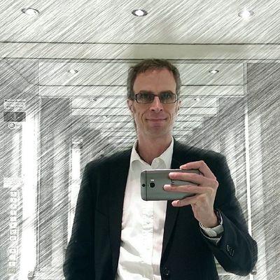 I've prepared something. ;-) An HTC One (M8) selfie with inbuilt effects. No Instagram filters used. #HTC #HTCOneUp #HTCinLON #HTCOneM8 HTC M8 Takeonme Htcinlon Htconeup Htconem8