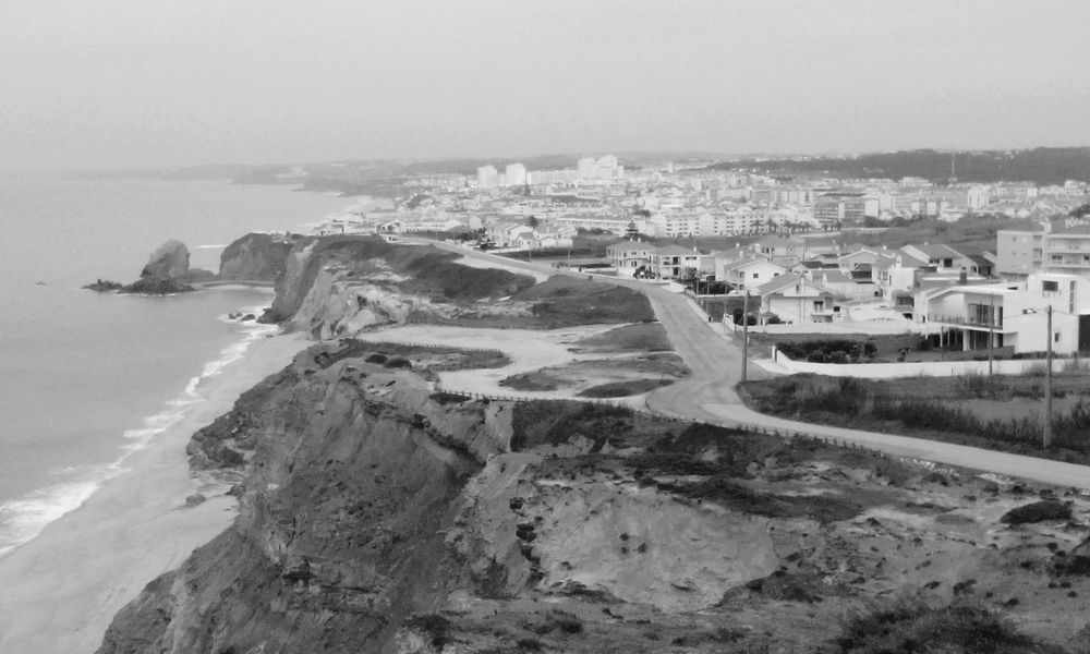 Santa Cruz a preto e branco!!!! Landscape Walking Around From Another Point Of View My Beautiful Place Black & White Black And White