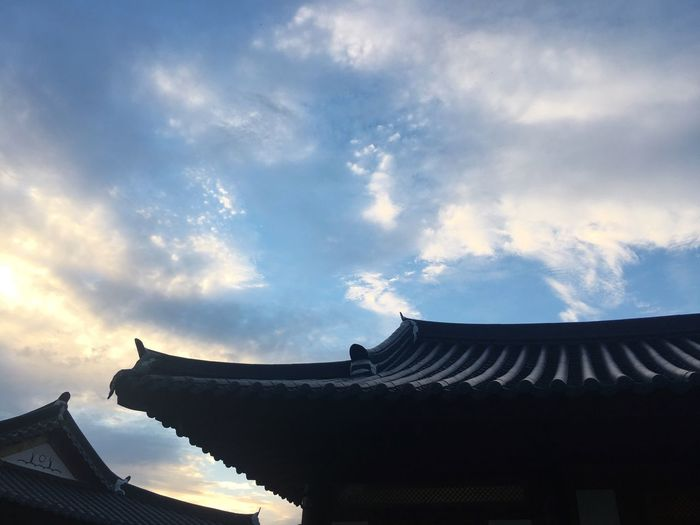 Architecture Built Structure Roof Cloud - Sky Sky Building Exterior Low Angle View Cultures Religion No People Korean Traditional Architecture Evening Outdoors Day Nature 🇰🇷