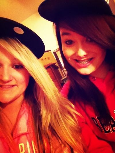 Snap Back And No Tattos.(;