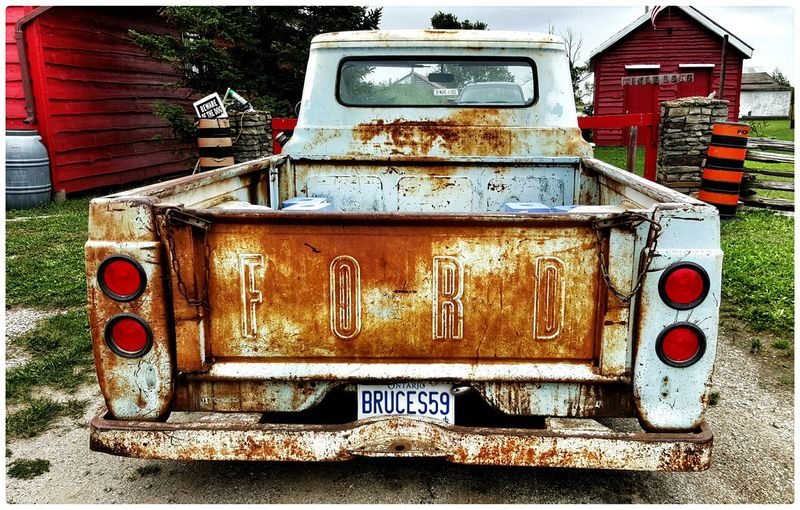 Pickuptruck Old Truck The View From Here Enjoying The Light Enjoying The Colours Check This Out 2015 08 31