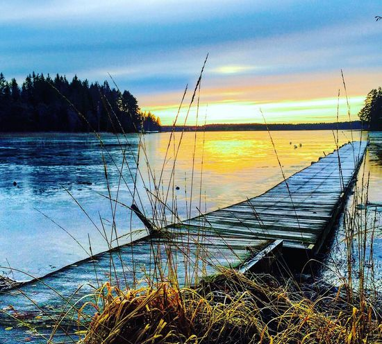 Getting colder and the ice is coming Nature_collection EyeEm Nature Lover Nature Landscape Sunset Sunset_collection Snow Ice Deepfreeze Winter Winter Wonderland Wintertime