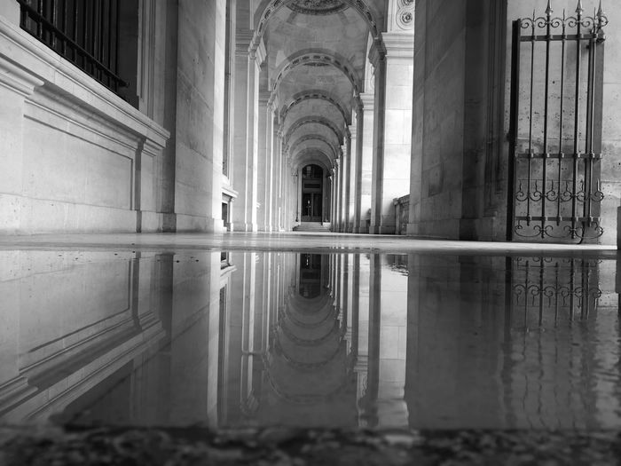 Huaweip20pro Paris Musée Du Louvre Water Architectural Column Symmetry Corridor Reflection Business Finance And Industry City Architecture Built Structure