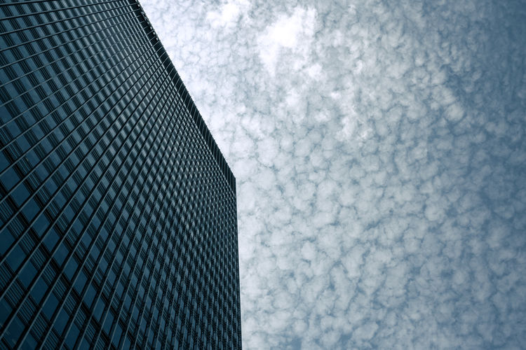 Corner & clouds. Architecture Blue Building Exterior Built Structure Canary Wharf City Cloud - Sky Clouds Corner Looking Up Low Angle View Modern No People Outdoors Pattern Sky Skyscraper Summer Minimalist Architecture The Graphic City