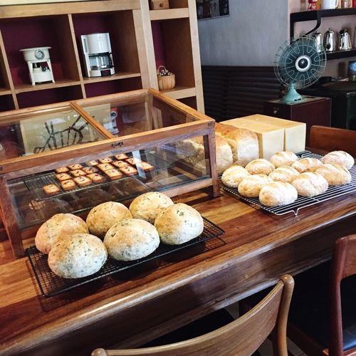 Food Bread Minimalism Lunch 麵包香噴噴~