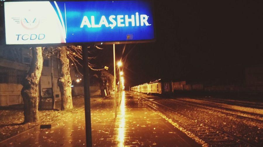 Alaşehir Tren Istasyon TCDD Gecegece