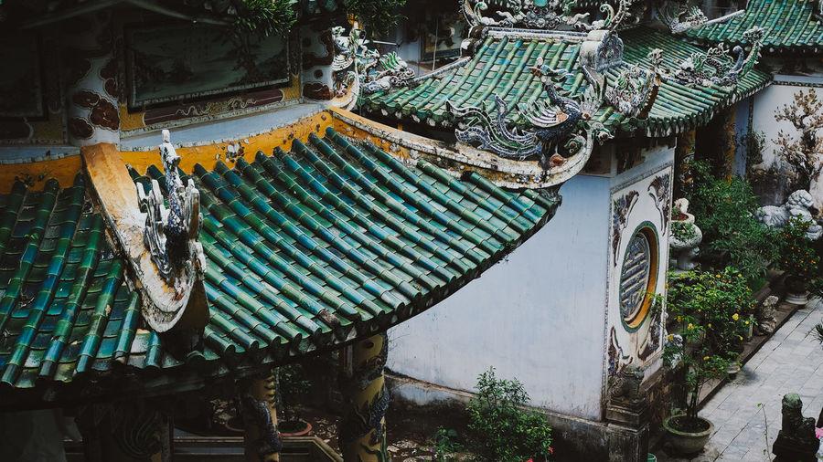 Tilt image of roof
