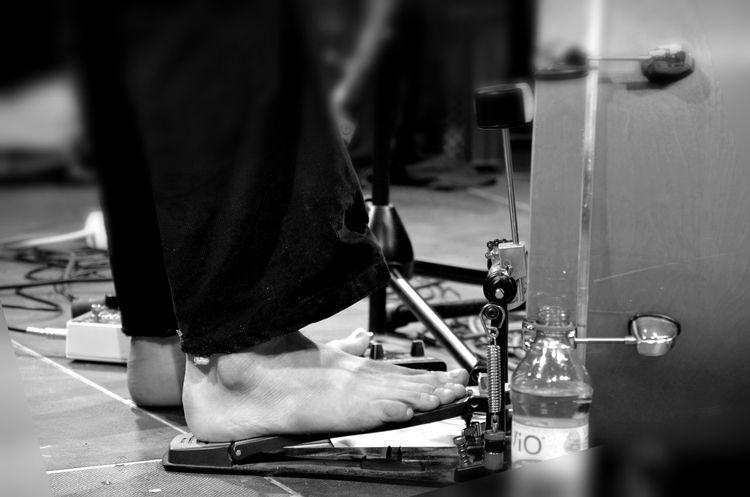Koncert Concert Photography Drummer Nakedfeet Naked_art Live Music Feetlove Bnv_friday_nonchallenge Musician Bnw_collection Schwarzweiß Manatwork Music Schlagzeug Spielen  Musiker Musiker