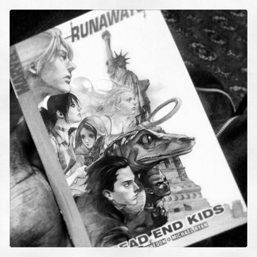 It doesn't get much better than Runaways ^___^ perfect for trips on the tube despite getting looked at like a 12year old. CoolComicsAreNotForKids Marvel MollyIsAce BigKid