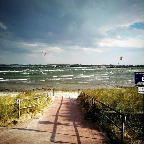 Perfect Conditions to surf! Kite Kitesurf Hohwacht Cloudy Grey Water Ostsee Windy Windsurfing Summer Clouds Fun Action Sports Wannatry Lookslikefun Photography HuaweiP8 Nature Balticsea