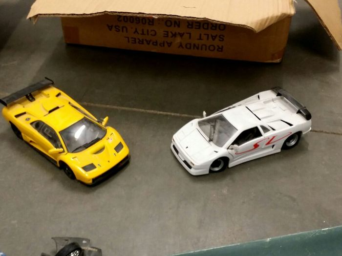 Taking Photos Capture The Moment Hotwheelsphotography Note3 Car Pics 1:18 Scale With Not3