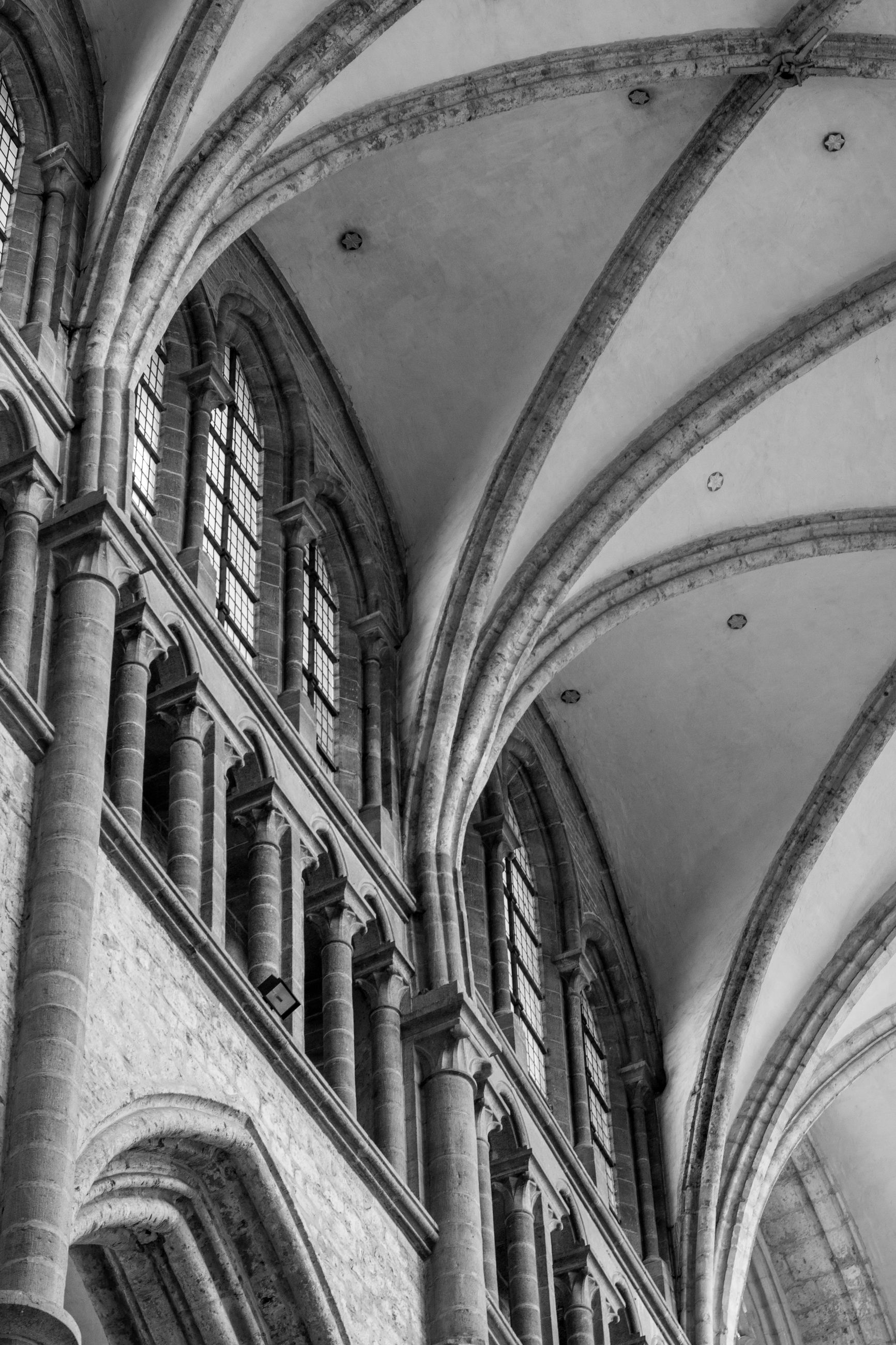 LOW ANGLE VIEW OF CEILING OF HISTORIC CHURCH