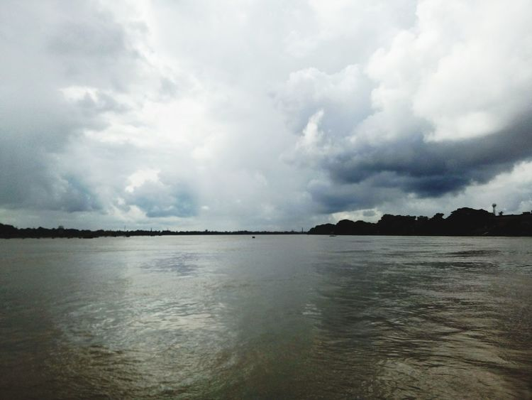 The Horizontal line where the sky and river meets... River View Sky And River Ganges River River Horizon Over Water Horizon Line India Photography Hooghlyriver Sky_ Clouds_river Eyem Gallery