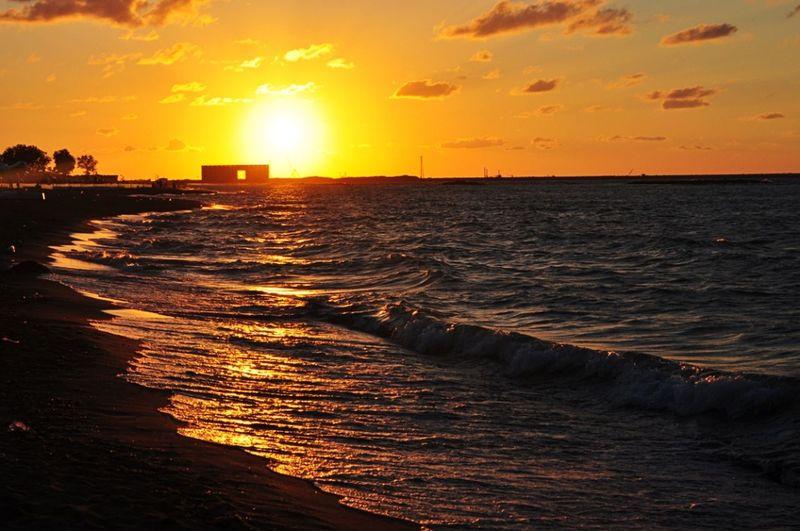 Sunset Holidays ☀ Seasunset Sand Naturewithatouchofthecity Vista Looking Away Sea View Sea And Sky Sea Life Seacollection Seacoast Deniz Holiday Memories Beachphotography Günbatımı Kumsal Gökyüzümavi Güneşin Batışı Güneşışığı