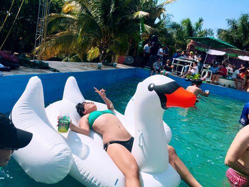 """""""Pool party"""" Champions Pool Heineken People EyeEm Best Shots Relaxing Beer Halamadrid Hello World"""