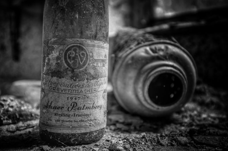 Urbex_rebels Beauty Of Decay Abandoned_junkies Verlassene Orte The Past Urbex_supreme Urbexexplorer Lostplace Urbexexploring Urbexphotography Abandoned Places Lostplaces Abandoned No People Urbex Wine Not Black And White Friday