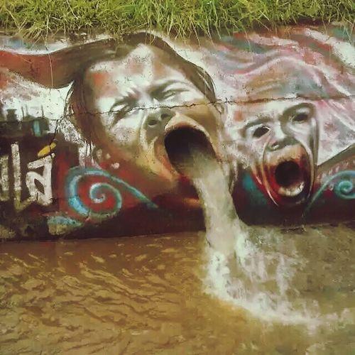 De nuevo subo esta foto, por alguna extraña razón se borro Street Street Art