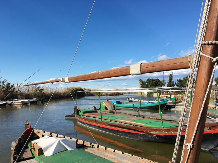 Beautiful Day Boats Paseos De Barca Blue Sky Beautiful Weather Showcase March