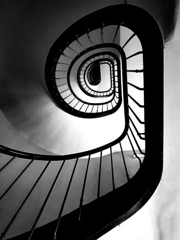 Spiral Staircase Steps And Staircases Railing Steps Spiral Stairs Architecture The Graphic City