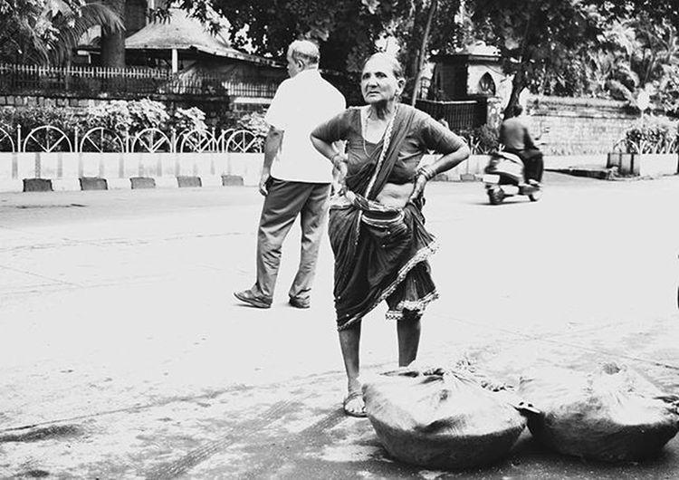 Lady from Crawford Market , Mumbai Bombay Kscope15 Archives Photographybnw Bnw_india Mumbai_uncensored _soi Soiwalks Blackandwhite FishMarket India Streetphotographyindia Storiesofindia @itz_mumbai