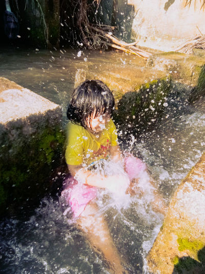 เล่นน้ำ Water Child Childhood Males  Swimming Pool Boys Tree Swimming Playing Motion Splashing Powder Paint High-speed Photography Wet Hair Slide - Play Equipment Water Park Sprinkler Flowing Water Surf Waterfall Outdoor Play Equipment Playground Crashing Water Slide Jungle Gym Splashing Droplet Hair Toss Bathing Holi