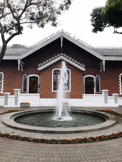 Architecture Built Structure Building Exterior Fountain Water Tree Outdoors Day Spraying No People Nature Sky EyeEmNewHere