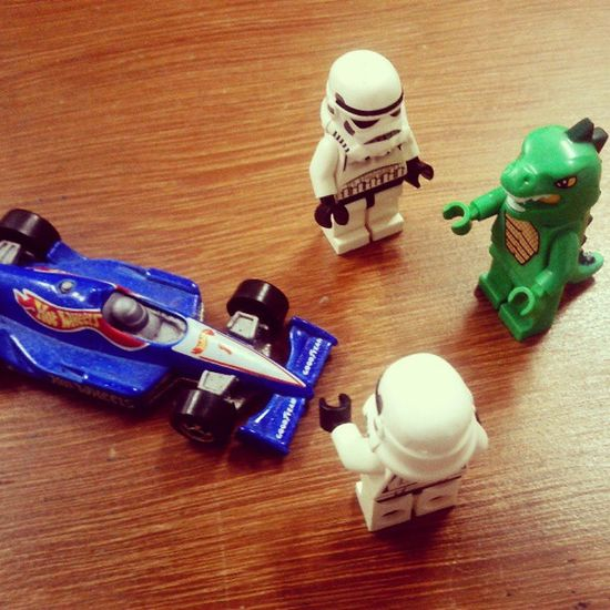 who's go first? Minifigure LEGO HotWheels Khwl Stormtroopers Starwars Diecastphotography Instanusantra Instanesia Picoftheday Instagood Instadaily Photooftheday Bali INDONESIA LangitbaliPhotoworks