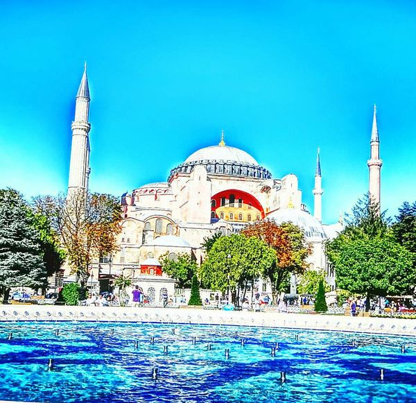 Adapted To The City Istanbul Turkey Monuments Of Architecture Monuments Historical Monuments Historical Monument Mosque Turkey Mosque Tourist Taking Photos Castle Castles Istanbul Mosque Tourism Tour Tourist Tourist Attraction  Tourist Attraction  Tourist Destination Touring Tourism Turkey Touristic