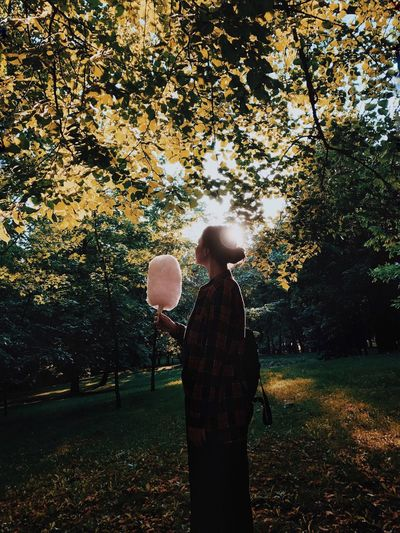 Tree One Person Real People Standing Outdoors Growth Nature Rear View Leisure Activity Casual Clothing Autumn Full Length Beauty In Nature Day Lifestyles Leaf Cottoncandy Park Young Adult Adult